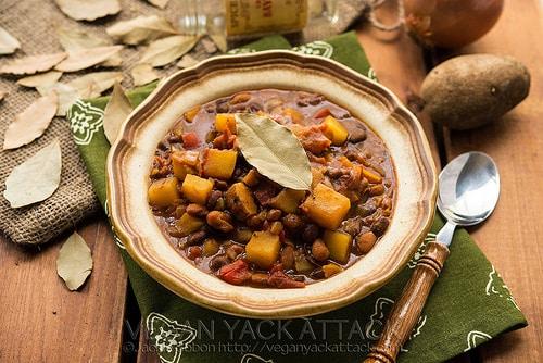 Vegan Slow cooker potato curry chili